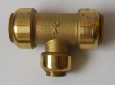 Brass Push Fit Tee 22mm x 22mm x 15mm Reducing Tee - 27252200